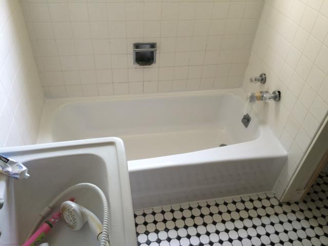Springfield Mo Bathtub Refinishing And Repair Home - Bathroom fixtures springfield mo